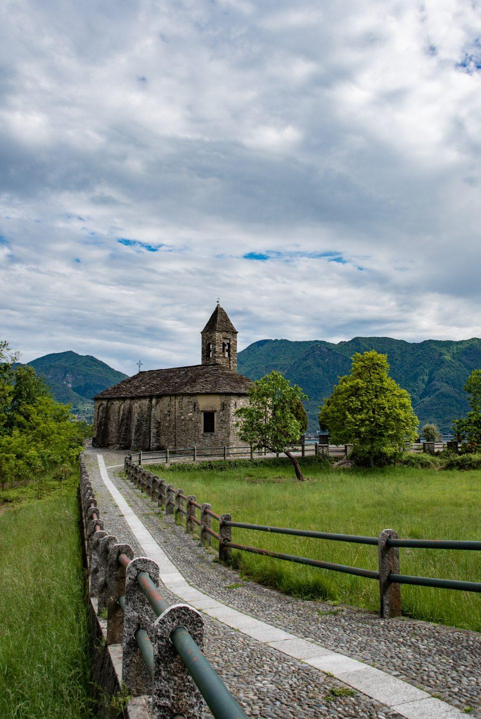 Chiesa di Novaglio - Come fare belle foto per Instagram - Sant'Agata di Novaglio - Oggebio - istanti in viaggio - Verbania - Lago Maggiore - Novaglio