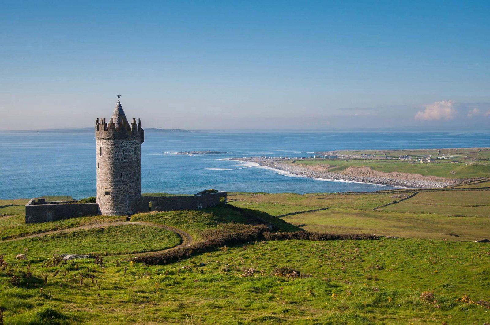 Doonagore Castle - doolin - viaggio in irlanda - on the road irlanda - istanti in viaggio