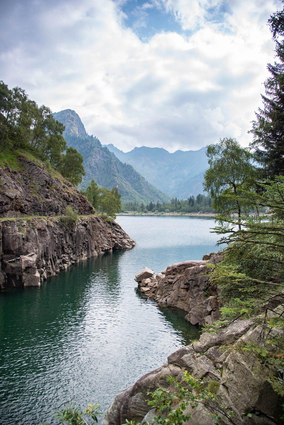 lago di antrona - valle antrona - scorcio lago di antrona
