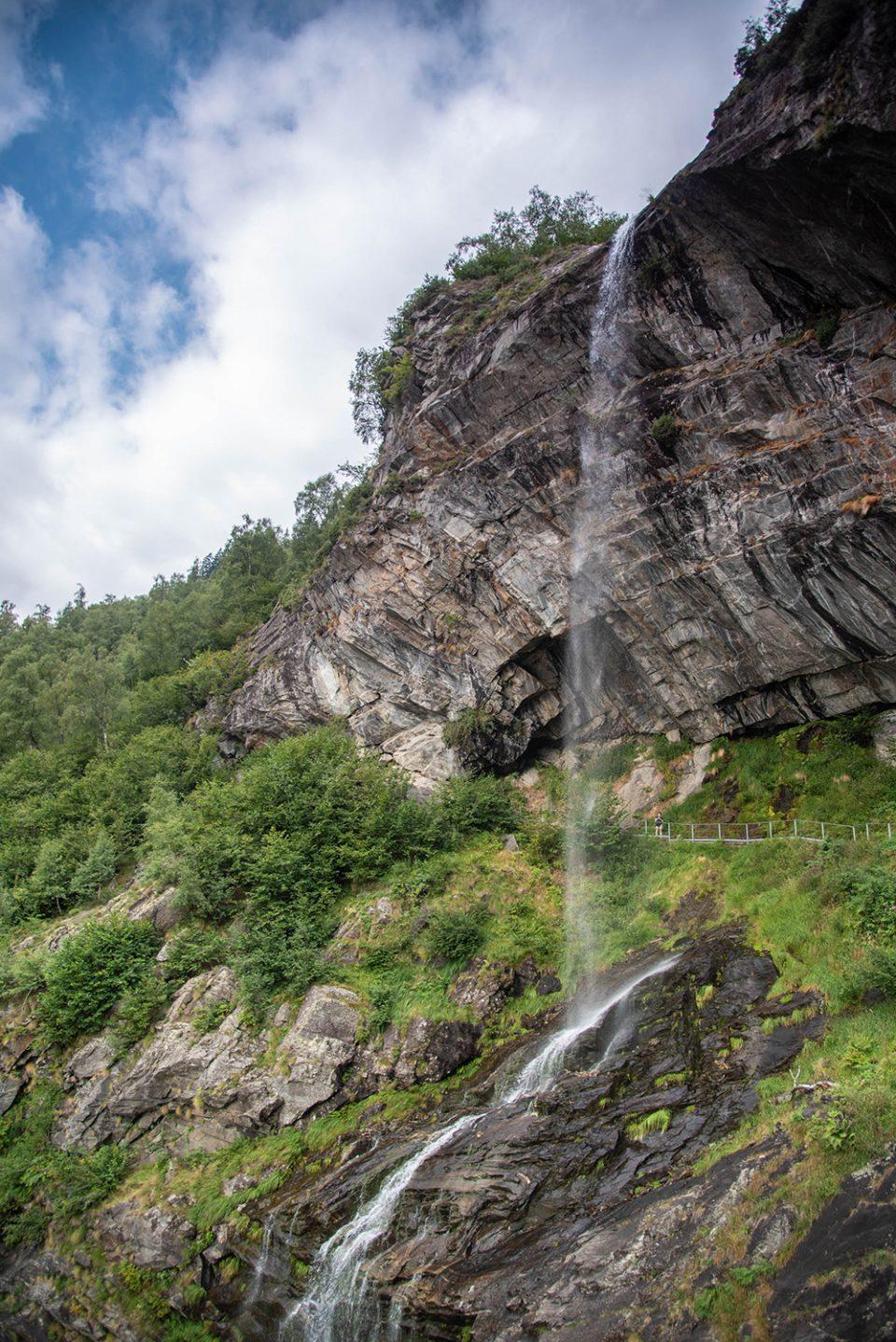 Cascata lago di antrona - valle antrona - antronapiana - cascata di sajont - lago antrona