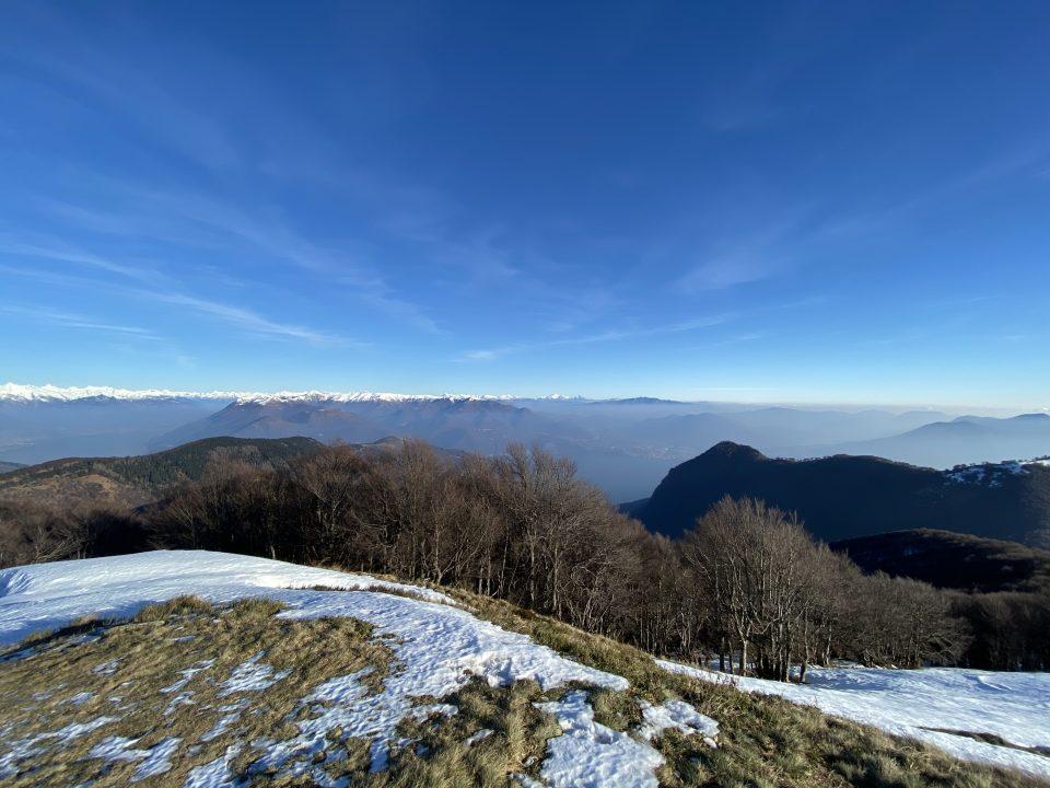 Monte Spalavera - lago maggiore in inverno - istanti in viaggio - escursioni lago maggiore